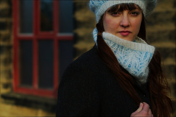 'Cowlersley Cowl' (and Hat) by Ann Kingstone. Image Copyright Woolly Wormhead.